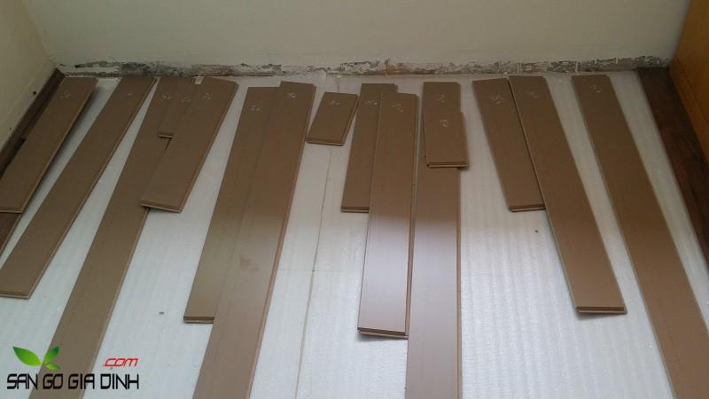 đánh dấu lột sàn gỗ cũ