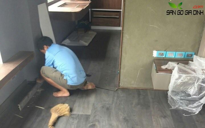 tháo sàn gỗ cũ