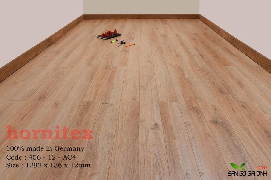 Sàn gỗ Hornitex 12mm mã 456 2