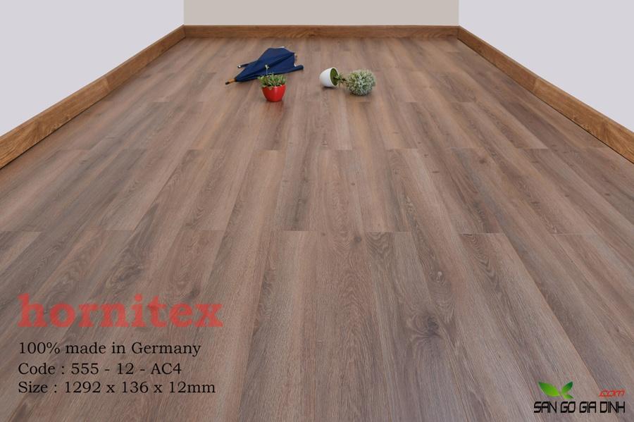 Sàn gỗ Hornitex 12mm mã 555 2