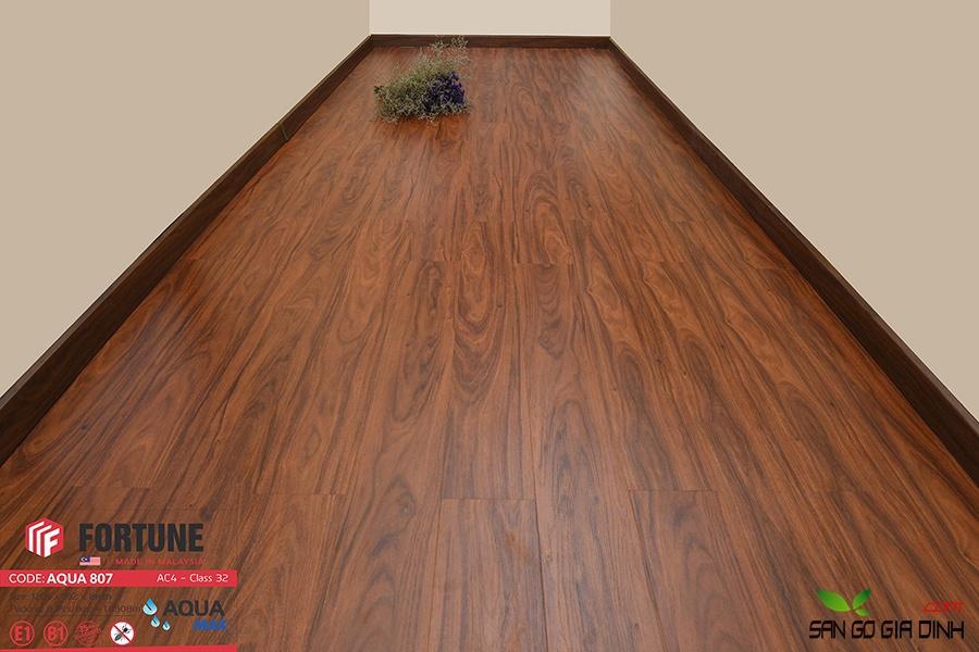 Sàn gỗ Fortune 8mm 807-4